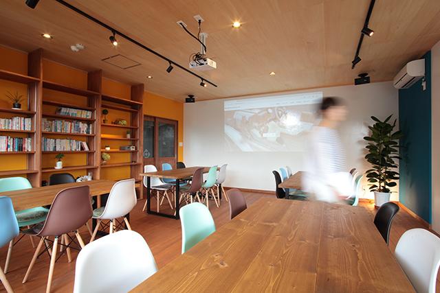 リノベーション_カフェのような空間_壁